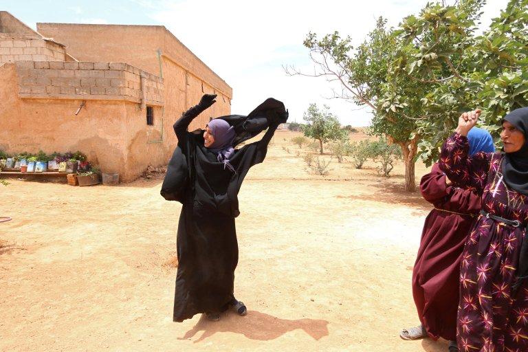 Siria,Isis in fuga libera 2.000 civili