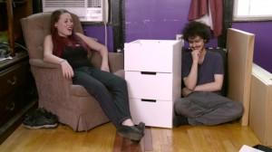 YOUTUBE Sotto effetto lsd provano a montare mobile Ikea