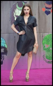 Xenia Tchoumitcheva, modella russa si presenta sul red carpet 66
