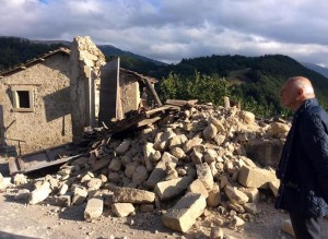 Terremoto, Accumoli: campanile ristrutturato 3 volte crolla e u****e famiglia