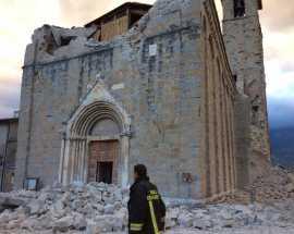 Terremoto: soldi per tener su il campanile dirottati alla chiesa. Una famiglia distrutta