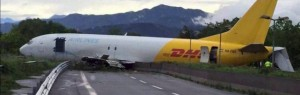 Guarda la versione ingrandita di Orio al Serio,  aereo su tangenziale diretta VIDEO rimozione
