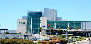 Portogallo, aeroporto di Lisbona evacuato per un pacco sospetto