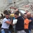 Terremoto Centro Italia: estratto vivo dalle macerie VIDEO