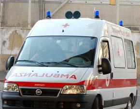 Talamone, suv perde ruota e si scontra con auto: gravi due bambini