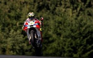Guarda la versione ingrandita di MotoGp Gp Austria: Andrea Iannone su Dovizioso, Rossi quarto (foto Ansa)