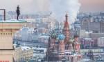 Angela Nikolau, selfie da brividi: roofer russa sui tetti del mondo