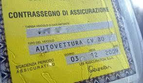 Assicurazione auto, attenti alle multe. Non credono al Targa System e se non hai la carta…