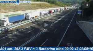 Ferentino: auto contromano su autostrada A1, tre feriti