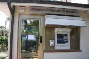 Milano, rapina in banca: ladri arrivano da un tunnel scavato da giorni