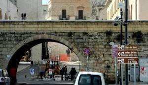 Bari, agguato fra i turisti del centro: Salvatore Caputo gambizzato