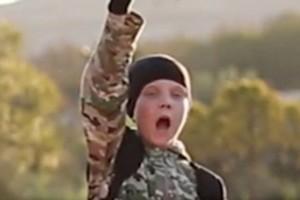 """Isis, video con bimbi boia. Un britannico: """"Quello è mio figlio"""""""