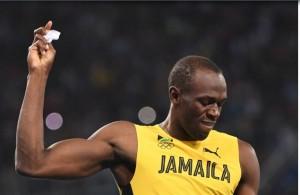 """Rio 2016, Usain Bolt: il """"mistero"""" dei fogliettini a fine gara3"""