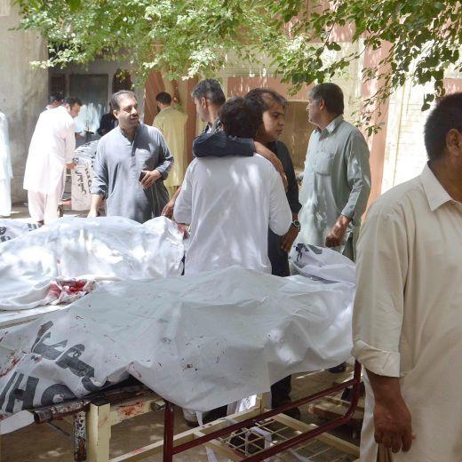 YOUTUBE Pakistan: bomba a ospedale Quetta, oltre 40 morti8