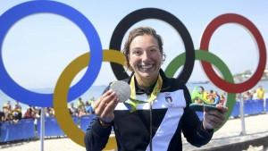 Rachele Bruni dedica medaglia argento alla compagna Diletta