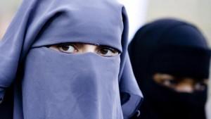 Burqa, divieto (parziale) anche in Germania