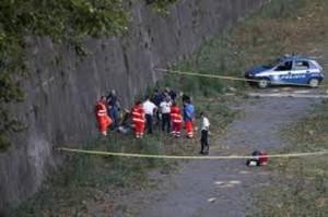 Roma, cadavere nel Tevere a Ponte Marconi. Da molto in acqua
