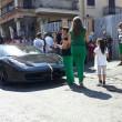 Casamonica, funerali di Nicandro: Ferrari, Maserati nera e petali di fiori FOTO 2
