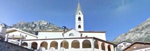 Sondrio, si rompe lucernaio chiesa: bimbo precipita