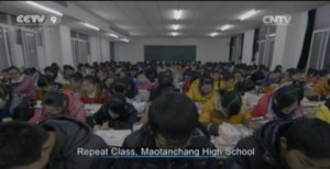 Cina, centinaia di studenti ripassano a voce alta