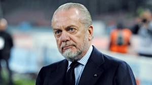 Napoli, Aurelio De Laurentiis in vacanza...ringraziato da tifosi Juve