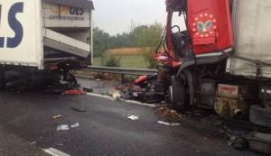Autostrada, maxi incidente su A21: cinque feriti, uno grave