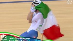 Guarda la versione ingrandita di Elia Viviani oro Omnium ciclismo su pista Rio 2016