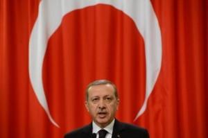Erdogan scarcera ladri e criminali per mettere dentro i nemici politici