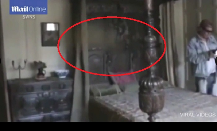 YOUTUBE Fantasma nella villa? Misterioso video dal Regno Unito6
