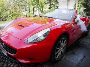 Sassuolo, incidente con la Ferrari: stava correndo a prendere la sposa...
