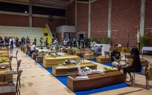 Terremoto, bilancio morti sale a 284. Oggi i funerali di Stato