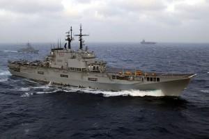 Vertice di Ventotene: si svolgerà sulla sulla portaerei Garibaldi (nella foto) in mezzo al mare dell'arcipelago Pontino. A terra forze dell'ordine schierate, 007 in azione