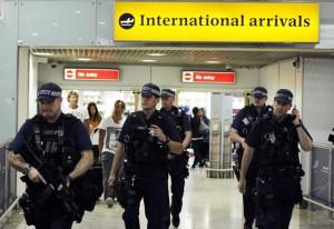 Guarda la versione ingrandita di Londra, aeroporto Gatwick: no controllo passaporti...