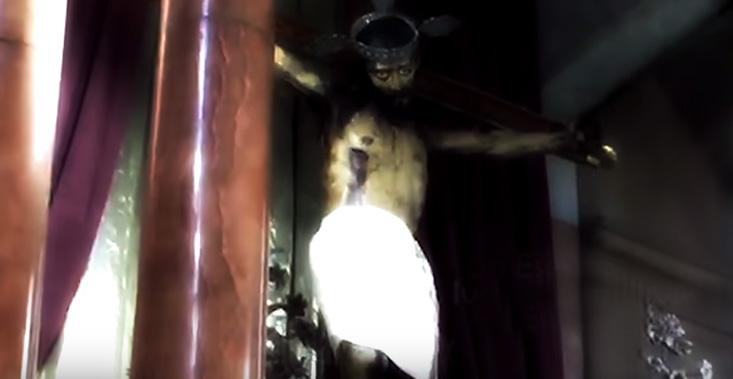VIDEO YOUTUBE Statua di Gesù apre e chiude gli occhi: miracolo o inganno?5