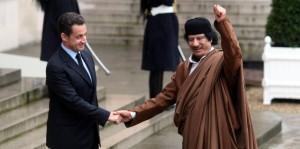 """La Francia """"dichiarò guerra"""" all'Italia: le rivelazioni delle mail di Clinton"""