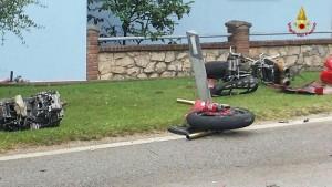 Guarda la versione ingrandita di Ortona: Massimo Macrini muore in incidente, moto contro tir (foto d'archivio)