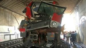 Guarda la versione ingrandita di Francia, treno contro albero: oltre 50 feriti, 10 gravi