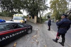 Montesilvano: non si ferma a alt, sperona carabinieri e li ferisce