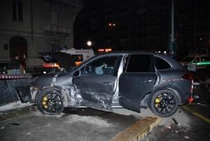 Guarda la versione ingrandita di Fiorenzuola, incidente su A1: 2 morti, forse madre e figlia
