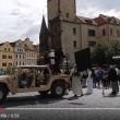 YOUTUBE Praga, attacco Isis in centro ma è...la destra islamofoba5