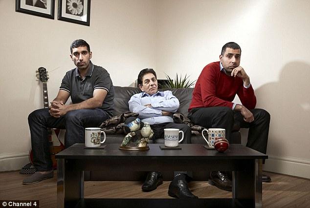 Postano foto-scherzo Isis: bufera sulle star di un reality show02