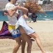 Lindsay Lohan aggredita in spiagga da Egor Tarabasov2