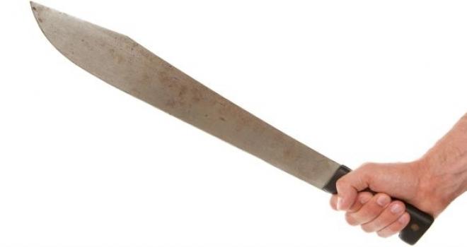 Roma, italiano colpisce romeno con un machete dopo una lite