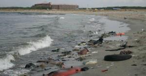 Mare inquinato in Italia: un punto ogni 54 km di costa causa scarichi fognari