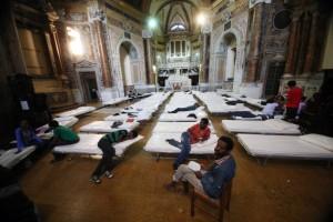 """Noveglio parroco: """"Rifugiati si ma voglio solo cristiani"""""""