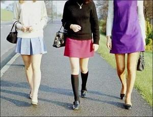 """India, governo alle turiste: """"Non indossate la gonna"""""""
