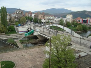 Guarda la versione ingrandita di Kosovo, granata contro carabinieri italiani a Mitrovica