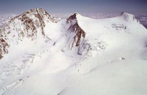 Monte Rosa, tre alpinisti precipitano dal Colle Gnifetti: morti
