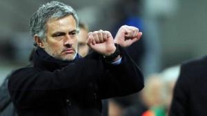 """Josè Mourinho """"merita tre anni di carcere"""". Li chiede sindacato calciatori"""