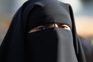 Germania, vietato andare a scuola col niqab: no di un tribunale a una studentessa